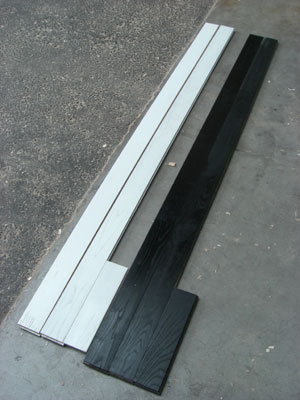 黒と白のクリ無垢材フローリング